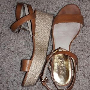 MICHAEL KORS BROWN STRAPPY SANDAL WEDGES